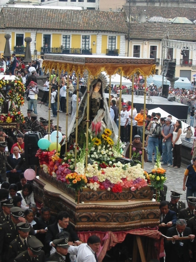It is now Sábado de Pascuas, the Saturday between Viernes Santo – when Christ was crucified – and Pascua – Easter Sunday, when he was resurrected. On this day, the Virgen Dolorosa (Virgin of Sorrows) is silently carried through the streets, everyone joining in the mourning of her first-born son. In Guatemalan villages, it is the women who carry the Virgin in any procession. photo © Lorraine Caputo